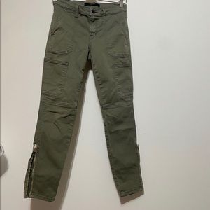J Brand•Utility Skinny Mid Rise Jeans •Size 26